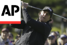 Mickelson beats everyone but the dark at Pebble