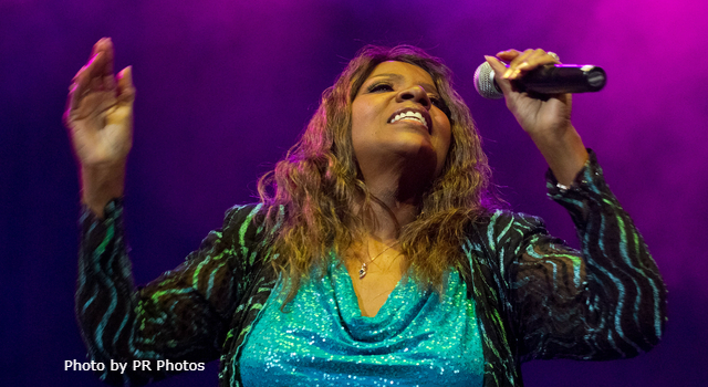 Today in K-HITS Music: Gloria Gaynor at #1