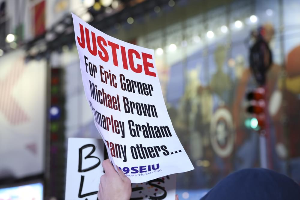 NYPD Officer in Death of Eric Garner Will Not Face Federal Charges
