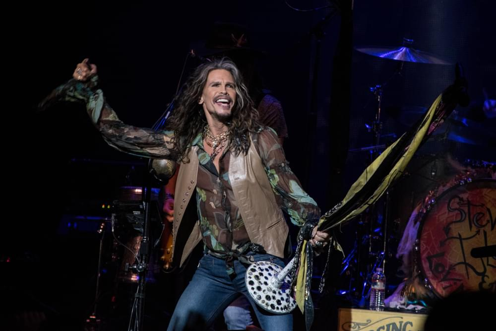 "Steven Tyler Covers ""Brown Sugar"""