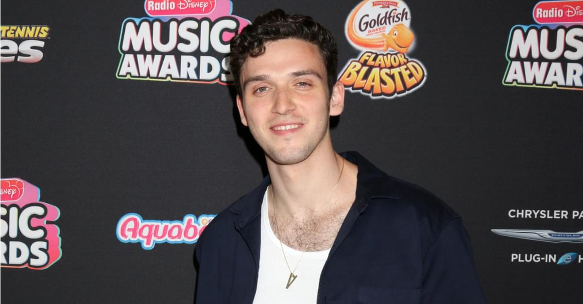 Lauv takes 'Tonight Show' stage with 'I Like Me Better'