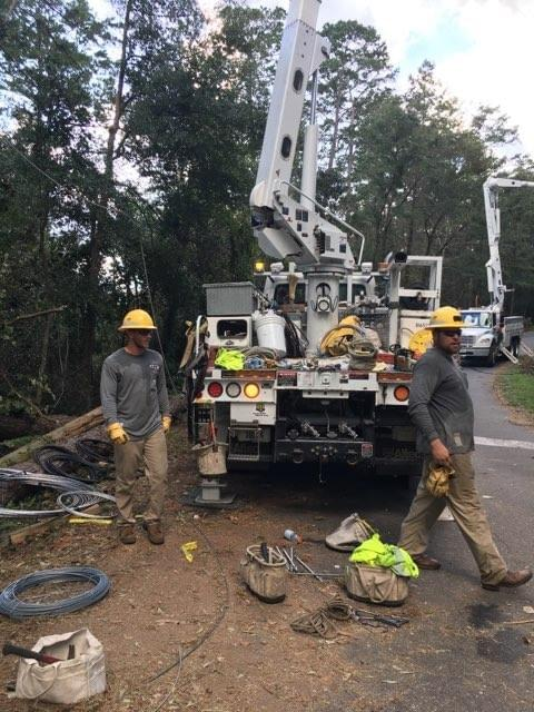 Lincoln Electric System Workers Dispatched To Hurricane Ravaged Florida Returning Home   KLIN-AM