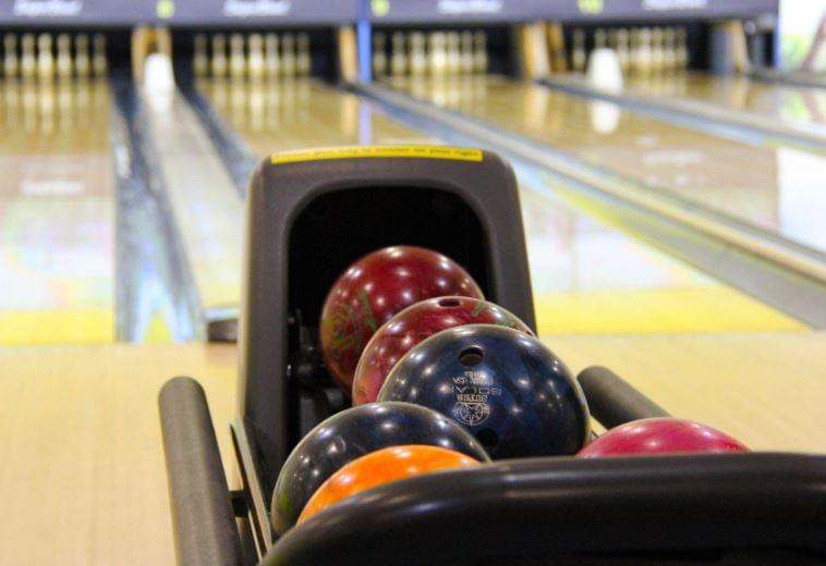 Police Investigating Burglary At Lincoln Bowling Alley