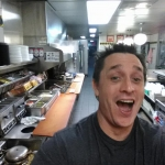 Drunk cooks his own meal at Waffle House!