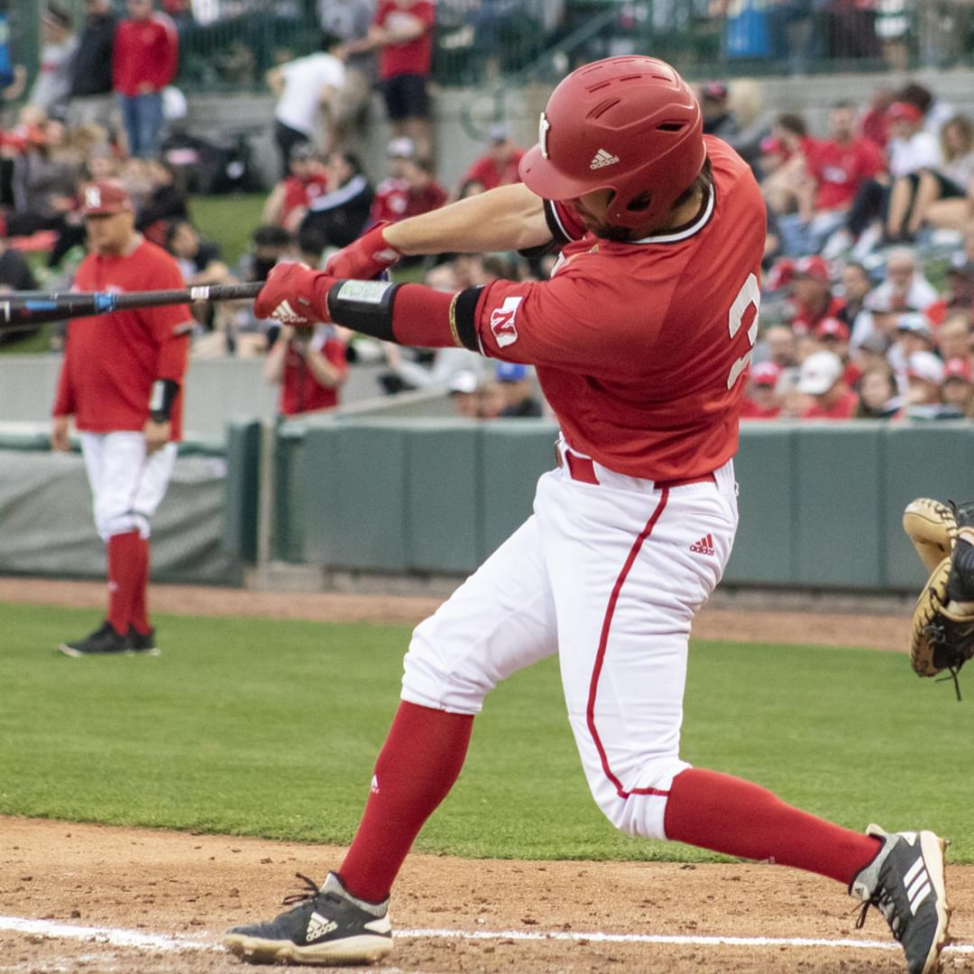 Huskers Fall to Hawkeyes in Walk-Off Fashion, 3-2