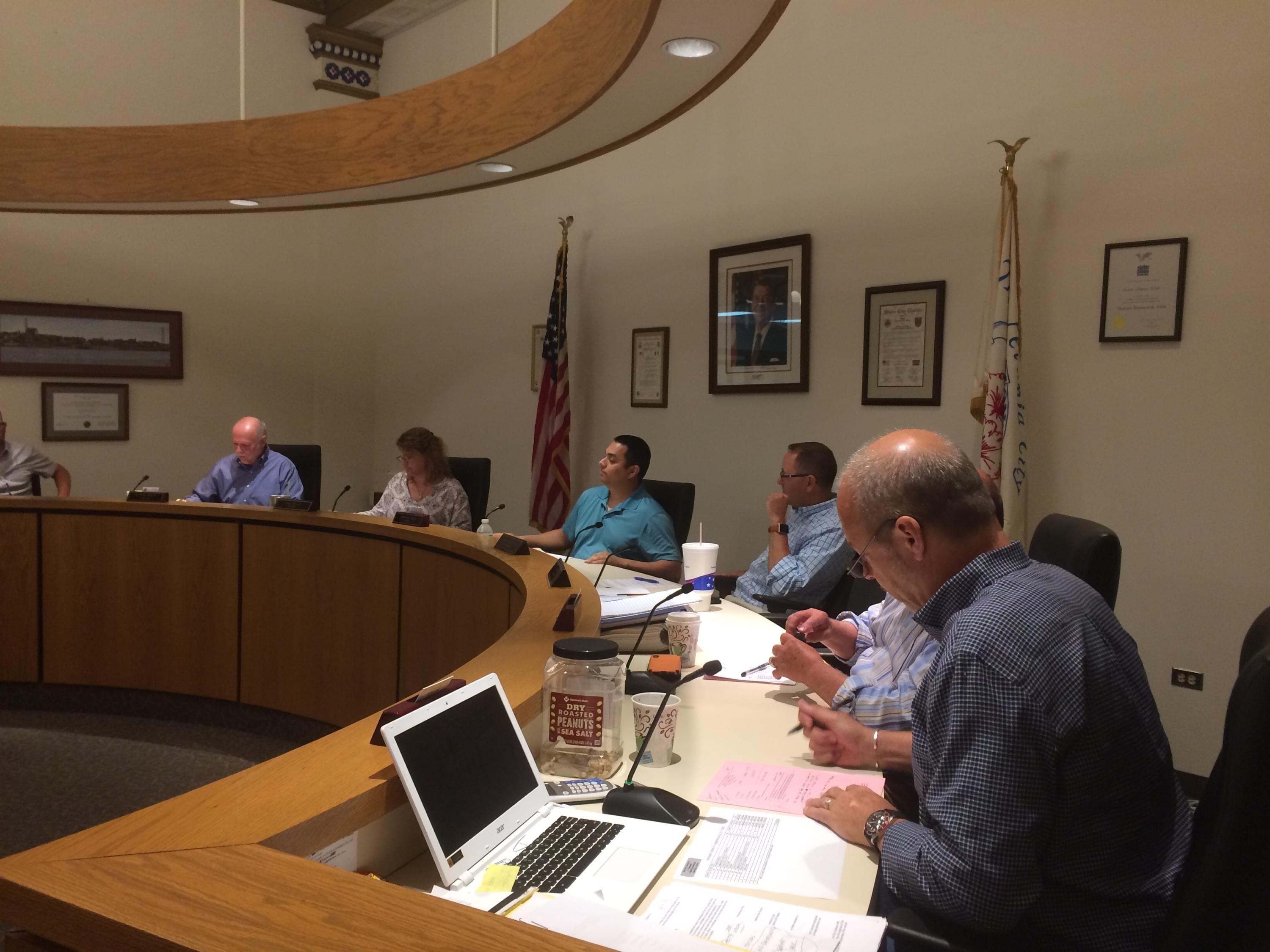 Dixon Council Supports City Manager and Says City Ordinance Followed