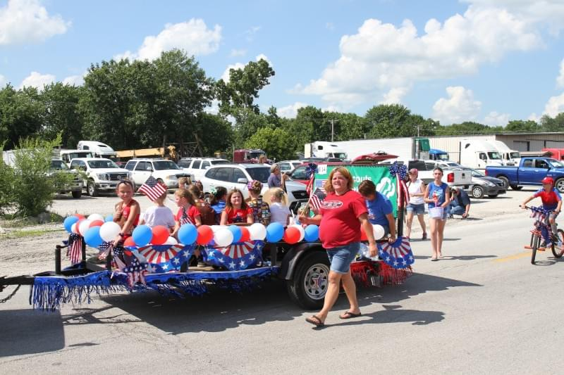 Farina 4th of July Parade Produces Several Winners | WJBD-FM on