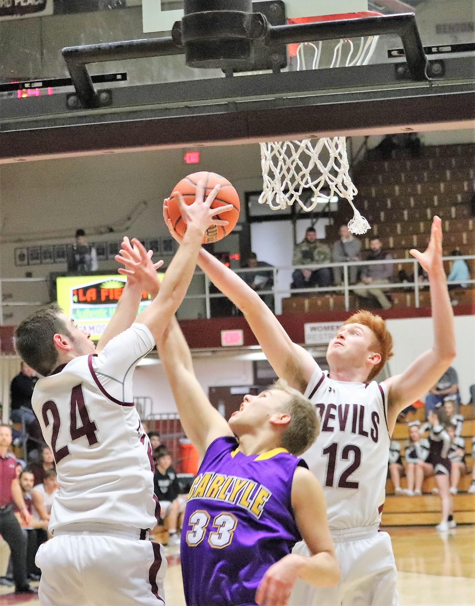 Carlyle Drops Tournament Opener To Sesser Valier