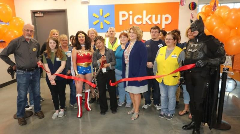 Centralia Walmart holds ribbon cutting for grocery pickup