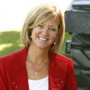 Former governor candidate Jeanne Ives running for Congress