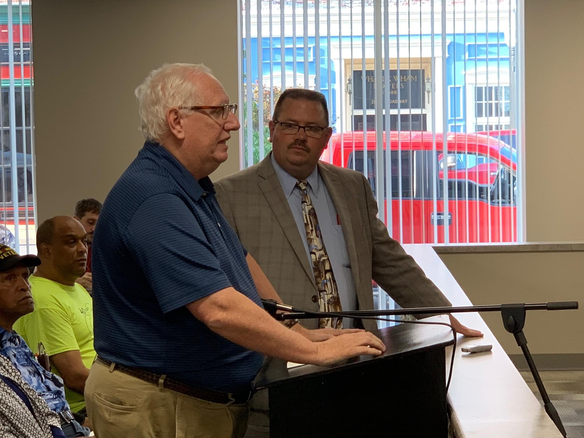 Centralia City Council votes 4-1 to extend city manager's contract on month to month basis