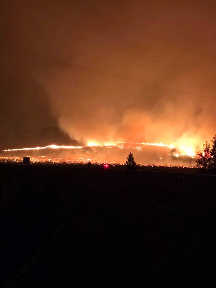 Evacuations in place as fire north of Vantage grows, threatens homes