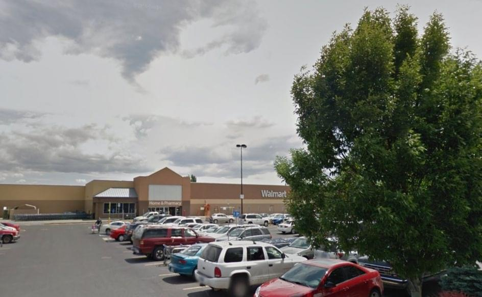 Reported bomb threat prompts Walmart evacuation