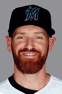 Straily inks new deal
