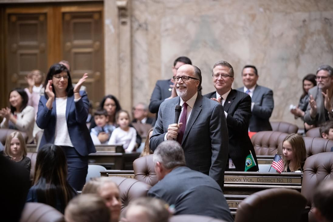 Rep. Bill Jenkin returns to Olympia after heart surgery