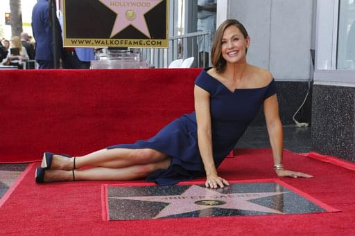 Jennifer Garner receives star on HWOF
