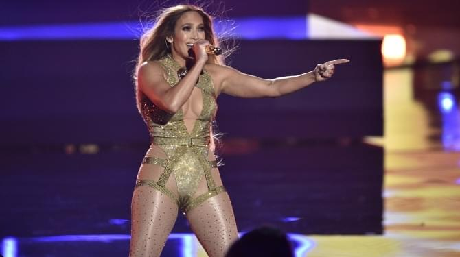 JLO Wipes out on stage  | Donna D |