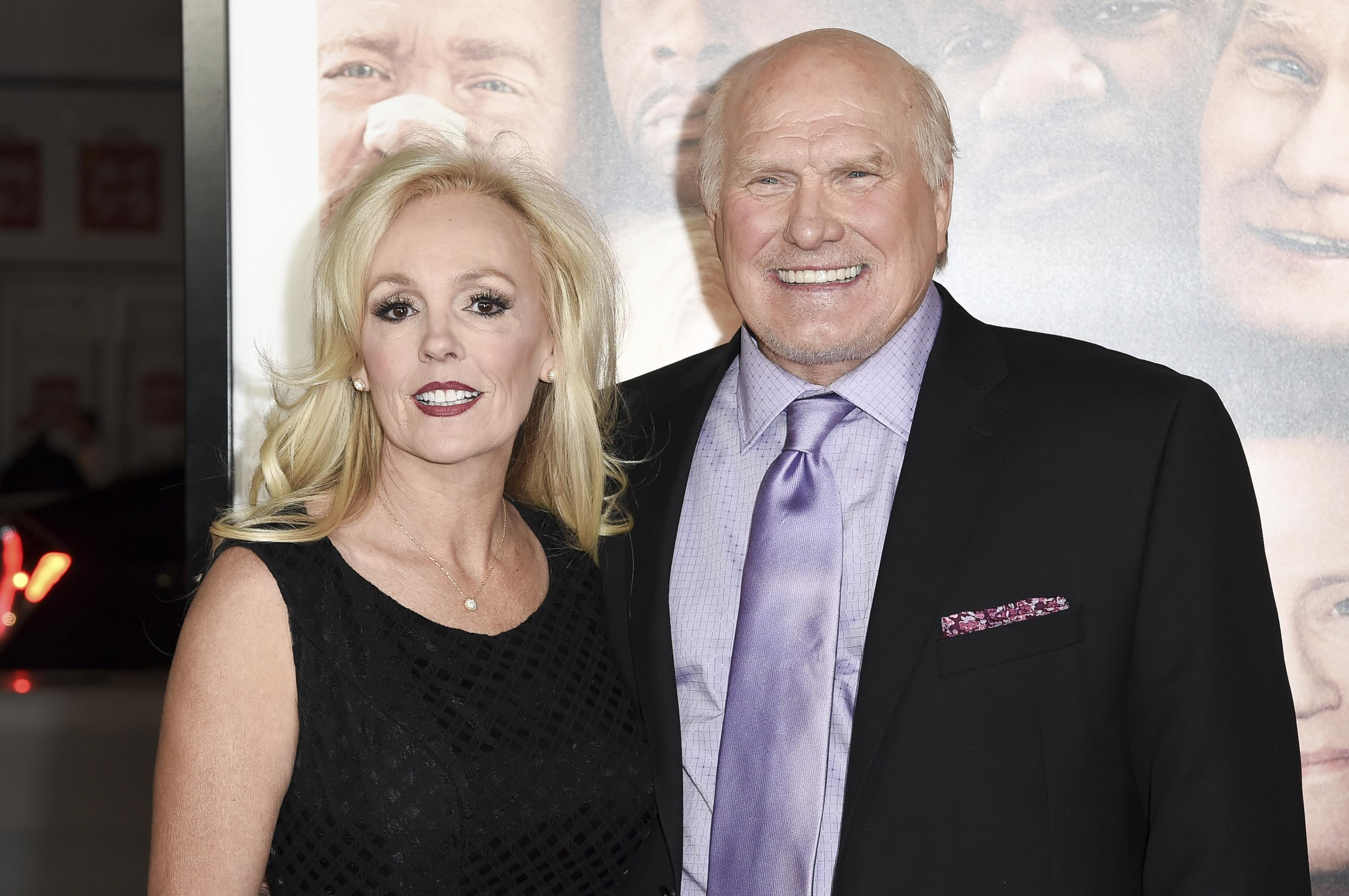 Terry Bradshaw in singing competition? | Kevin Machado |