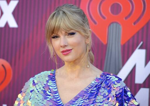 Taylor Swift Just Sent Flowers to a Fan! Check out the video!