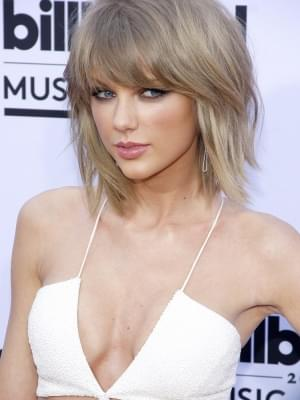 Taylor Swift Receives Most Epic Promposal in the History of Ever