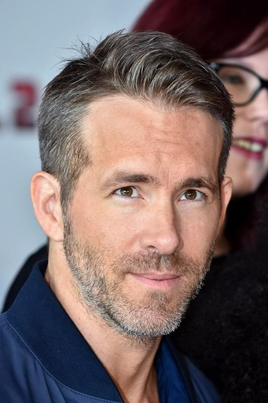 Ryan Reynolds Belts Annie's 'Tomorrow' While Disguised as Unicorn
