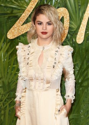 The Fashion Awards 2017 - London - Red Carpet Arrivals