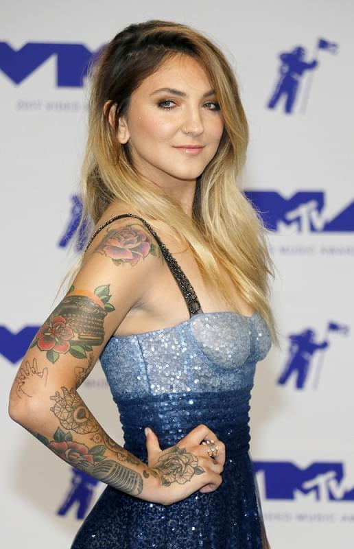 Today*s Star – Julia Michaels