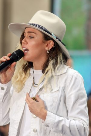 """Miley Cyrus in Concert on NBC's """"The Today Show"""" at Rockefeller Plaza in New York City - May 26, 2017"""