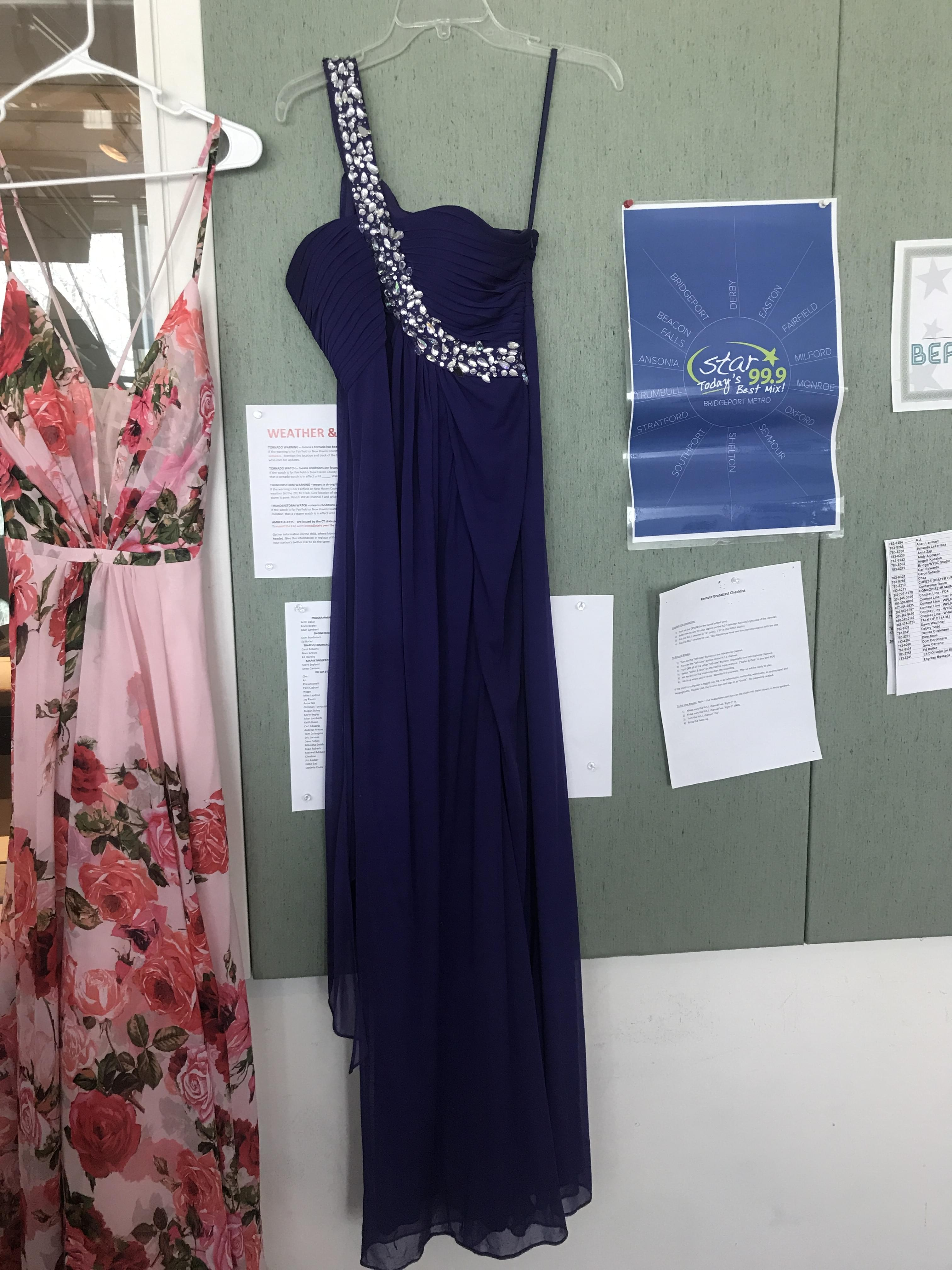 60 Seconds Behind the Scenes- The Derby Prom shop