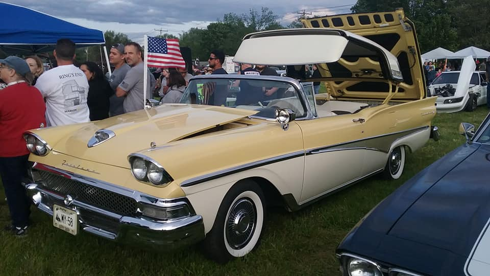 AJ's Car of the Day: 1958 Ford Fairlane 500 Skyliner ( Retractable )