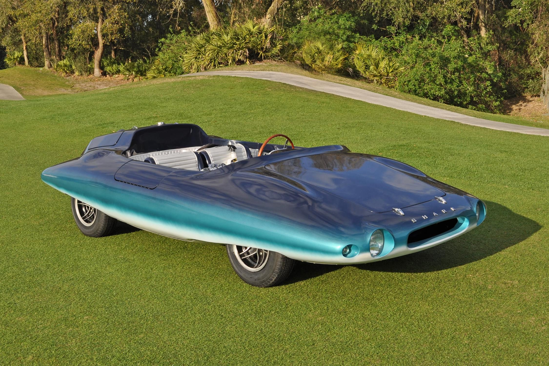 "Maritime Aquarium's ""Barracudas, Sting Rays & More Show Cars from the Sea"""