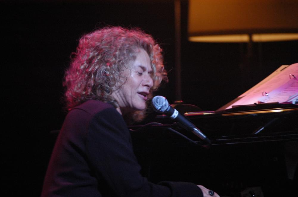 "Carole King Weaves Her ""Tapestry"""