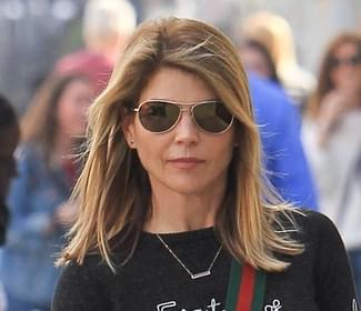 Lori Loughlin Sighted in Los Angeles on December 23, 2018