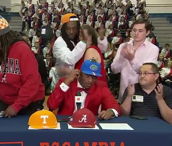 Viral Video-Mom Walks Out After 5th-Ranked Wideout Jacob Copeland Commits To Florida