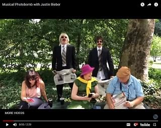 Jimmy Fallon And Justin Bieber Drop A Musical Photobomb On Central Park