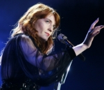 """WATCH Florence + The Machine Perform On """"Late Night with Seth Meyers"""""""