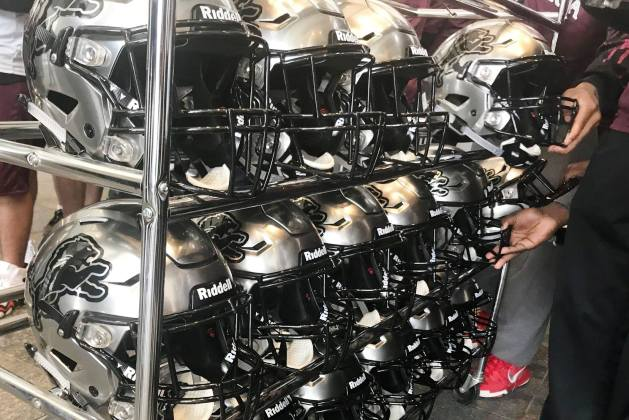 Peoria High Football Wins Award And Gear From Riddell, Meets Peyton Manning [AUDIO]