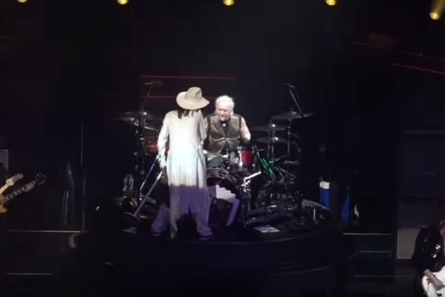 Aerosmith Drummer Joey  Kramer Absent At Las Vegas Show [VIDEO]