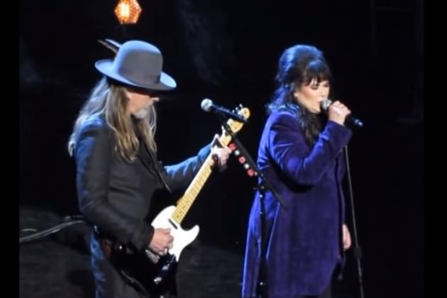 Ann Wilson, Jerry Cantrell Rock & Roll Hall Of Fame Tribute To Chris Cornell [VIDEO]