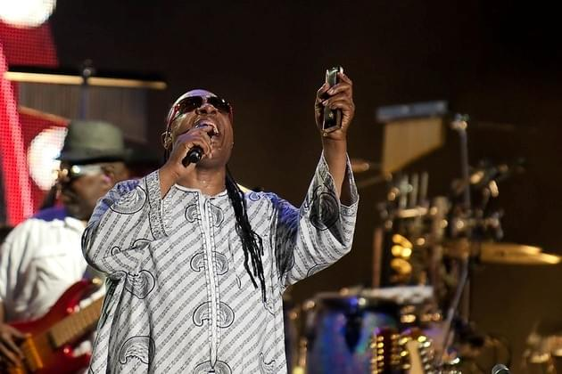 WVEL Entertainment Scope Now: Singer/Songwriter Stevie Wonder Announces That He Will Be Having Kidney Surgery Later This Year