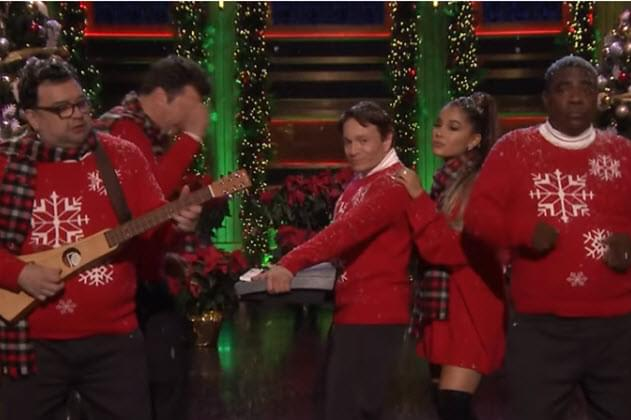 Jimmy Fallon Re-Creates Classic Holiday SNL Sketch