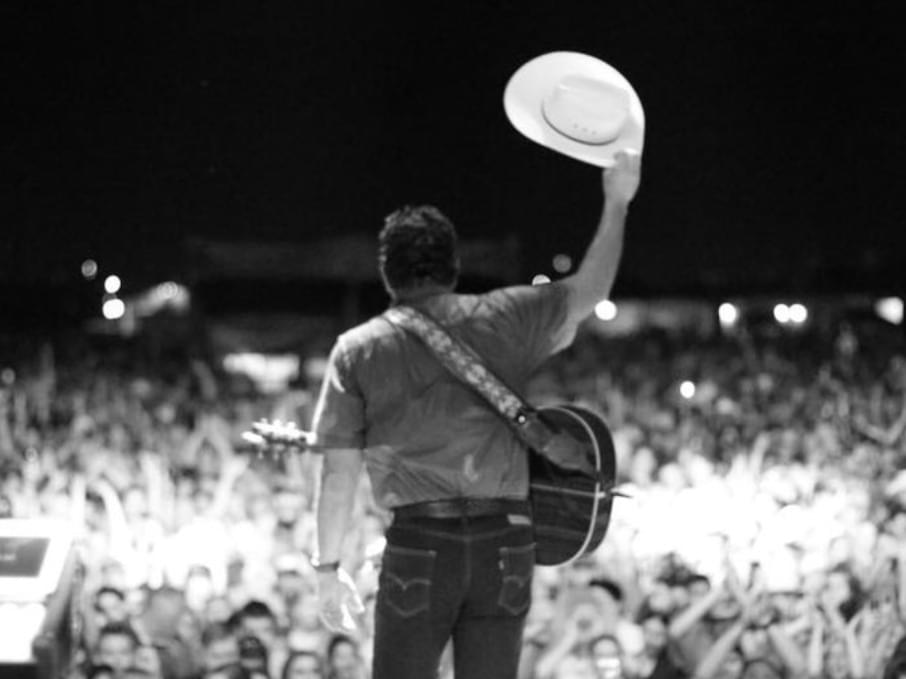 Win tickets to see Tracy Byrd at the Gallo Center!