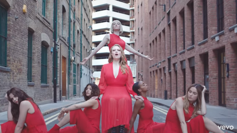 "Rick's Pick – Freya Ridings – ""Castles"""