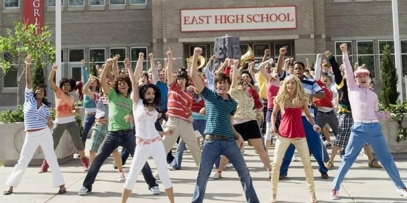 'High School Musical' is officially coming back as a TV show