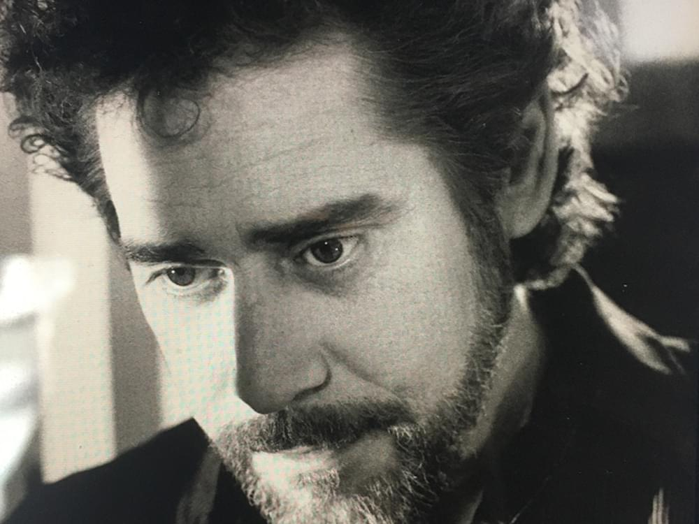 Country Stars Remember Earl Thomas Conley, Including Blake Shelton, Trisha Yearwood, Chris Young & More