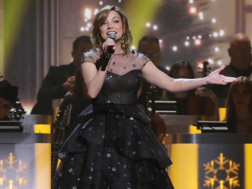 "Martina McBride Announces 9th ""The Joy of Christmas Tour"""