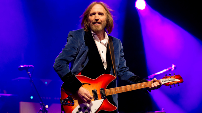 Tom Petty Dies at Age 66 – Celebs, Rockers and the World React