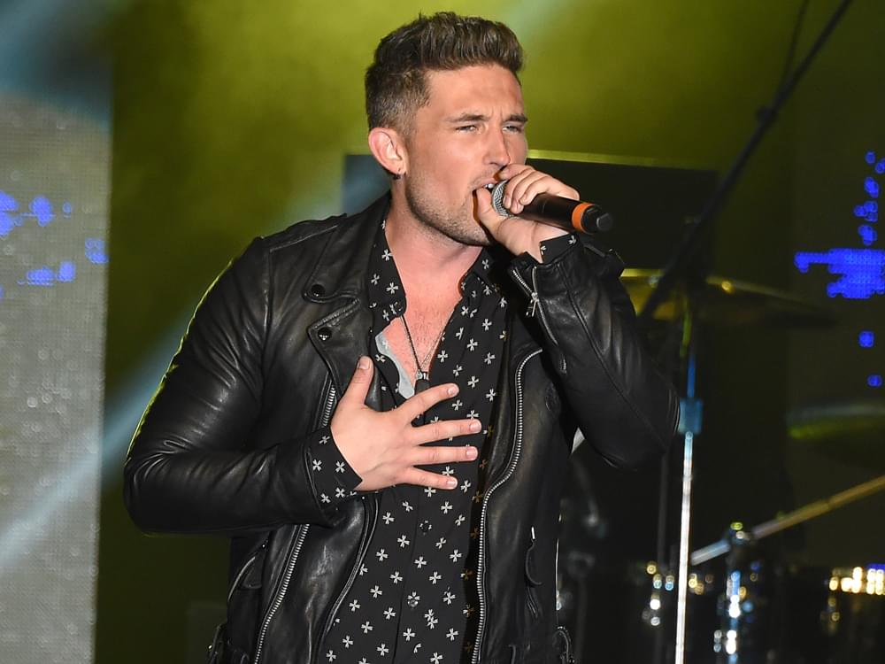 """Listen to Michael Ray's New Breakup Ballad, """"Her World or Mine"""""""