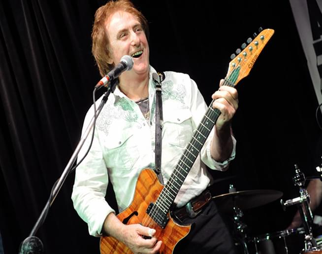 Cruisin' Bruce talks with Denny Laine from The Moody Blues & Wings