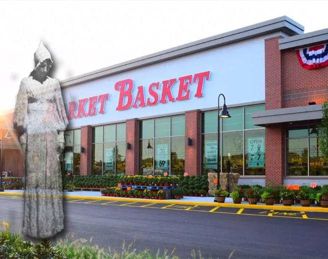 Jen and Frank talk to Christiana Bush, the worker at the Market Basket in Wilmington who saw a ghost.